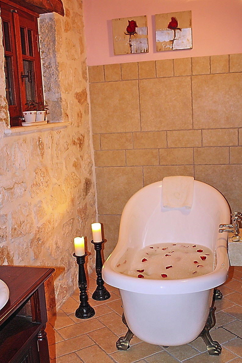Free standing bath in Dimitra suite